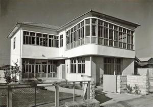 研究所の写真